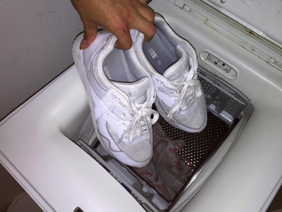 VASK: Det er dessverre ikke alle sko som tåler en runde i vaskemaskinen. Foto: Stine Helén Tunstrøm