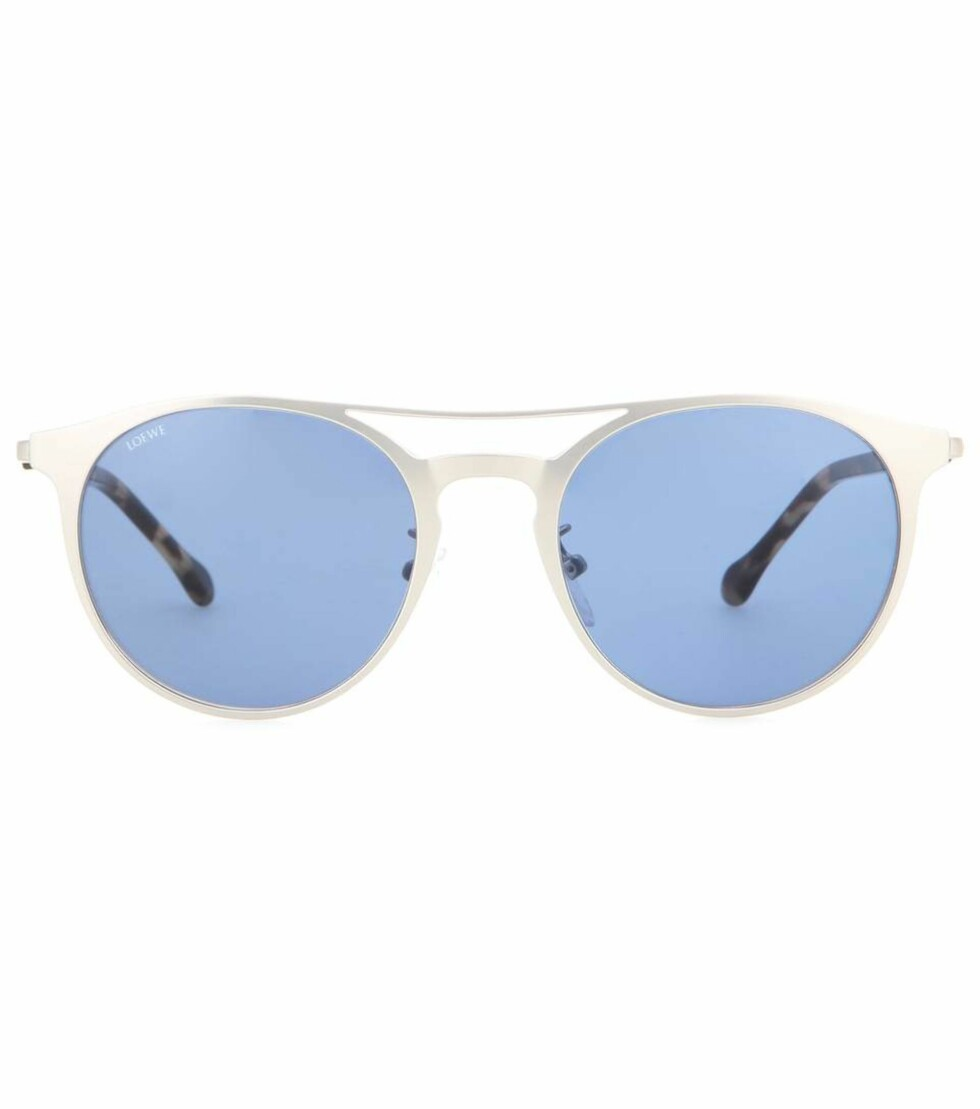 Solbriller fra Loewe via Mytheresa.com | kr 2030 | http://www.mytheresa.com/eu_en/atlas-sunglasses-544629.html?catref=category