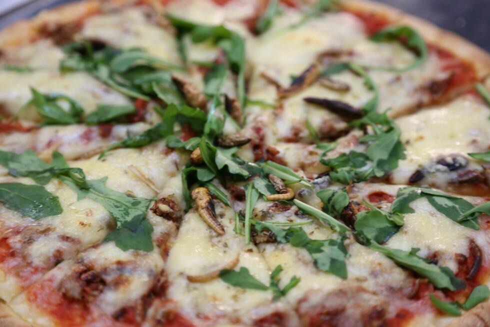 TOPPING: Ser du hva denne pizzaen er toppet med?