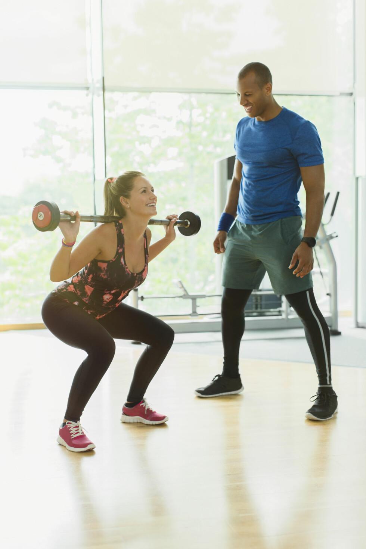 <strong>KNEBØY:</strong> Denne øvelsen er blant de som bruker de store musklene, noe som er gunstig for forbrenningen.  Foto: Science Photo Library