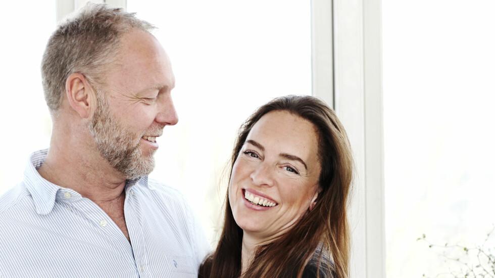 VILLE HAR FLERE BARN: Kitt Schröder (41) og Mikael Haislund (51) har til sammen tre barn, på 13, 20 og 22 år, fra tidligere forhold. Men da de møttes, ønsket Kitt seg minst ett til.  Foto: Sif Meincke