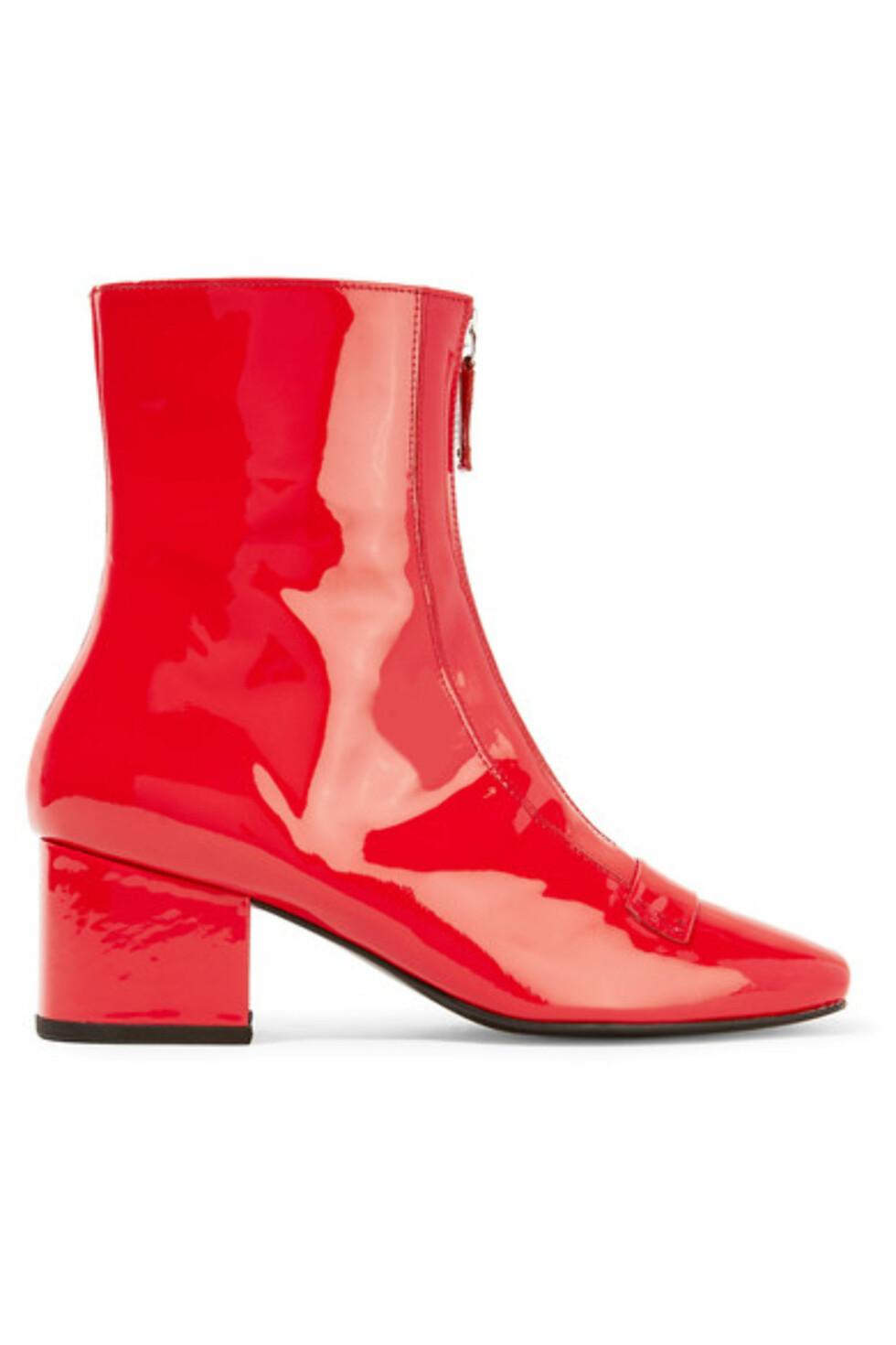 Ankelboots fra Dorateymur via Net-a-porter.com | kr 3579 | https://www.net-a-porter.com/no/en/product/751634/DORATEYMUR/double-delta-patent-leather-ankle-boots