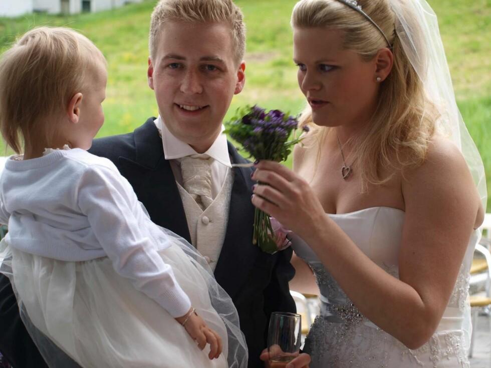 BRYLLUP: Denne sommeren skulle Magnus og Anette ha feiret 4-års bryllupsdag. De giftet seg 9. juni 2012. Foto: Privat