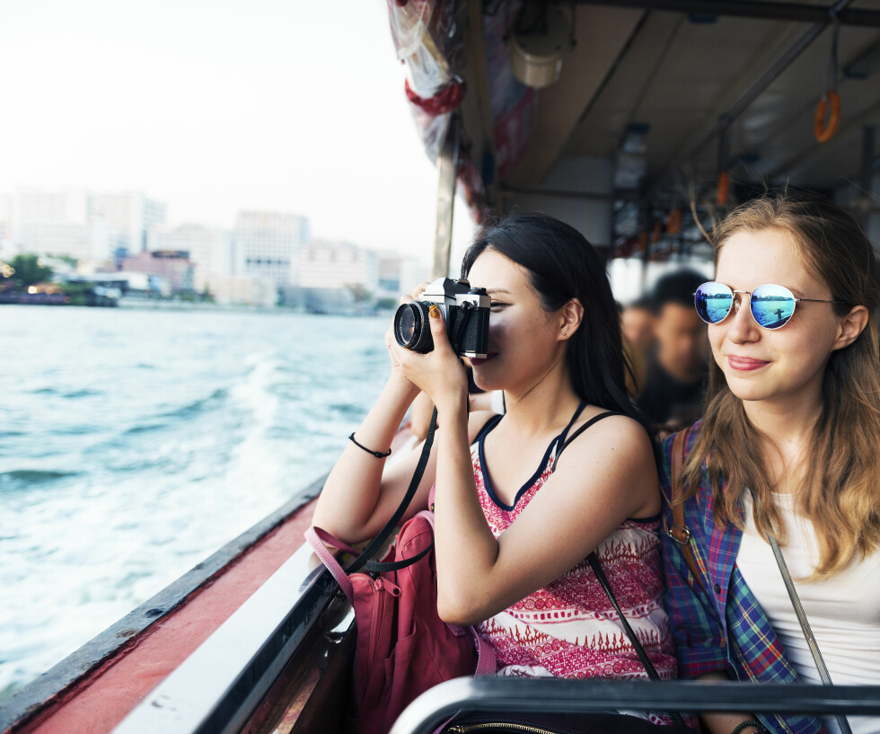 REISER: Å reise på sommerferie kan være veldig gøy, men det kan også være slitsomt. Foto: Shutterstock / Rawpixel.com