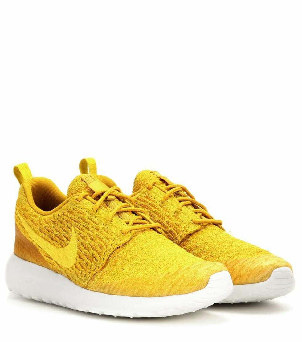 Sneakers fra Nike via Mytheresa.com | kr 756 | http://www.mytheresa.com/eu_en/nike-roshe-one-flyknit-sneakers-552678.html?catref=category