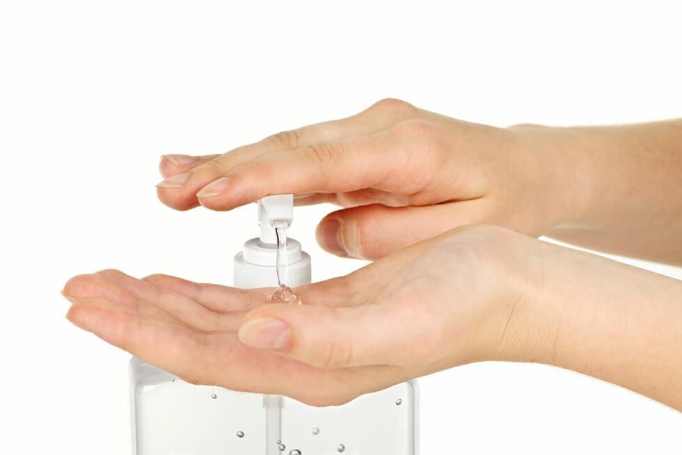 HYGIENE: Vær ekstremt nøye med å vaske hendene, og bruk håndsprit. Foto: © Zoonar/Elena Elissee