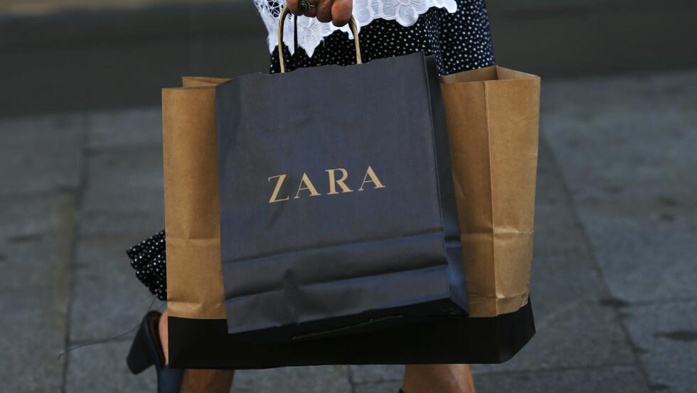 STJÅLET DESIGN? Den spanske kjedebutikken Zara anklages av Los Angeles-illustratør Tuesday Bassen for å ha stjålet designene hennes.  Foto: Reuters