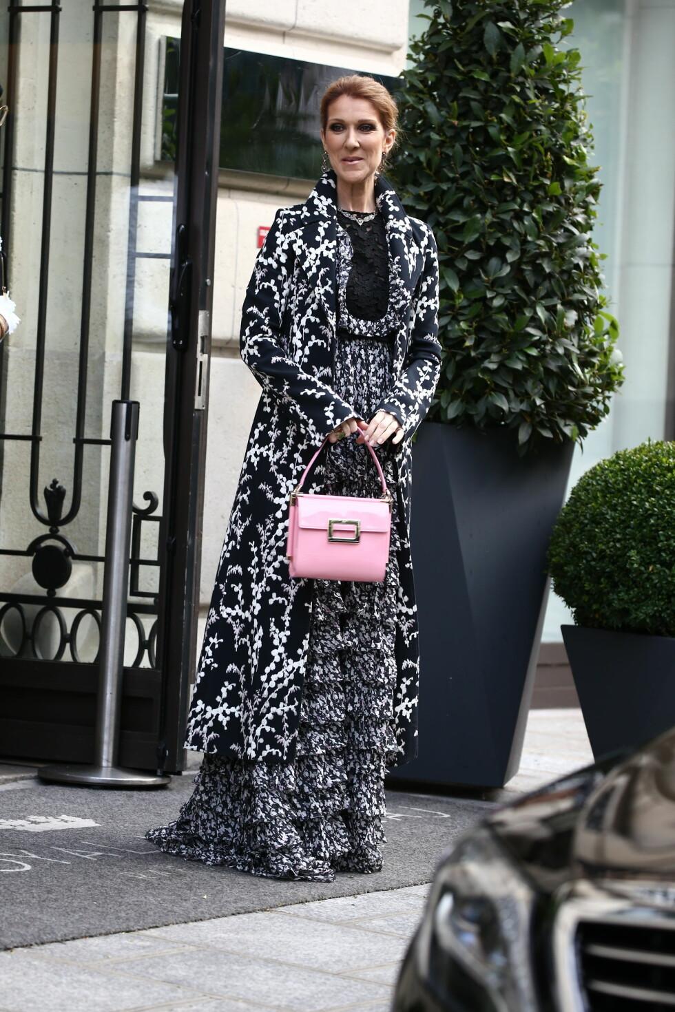 <strong>PÅ GIAMBATTISTA VALLI:</strong> Celine Dion har nok fått mye inspirasjon under moteuken i Paris. Foto: Abaca
