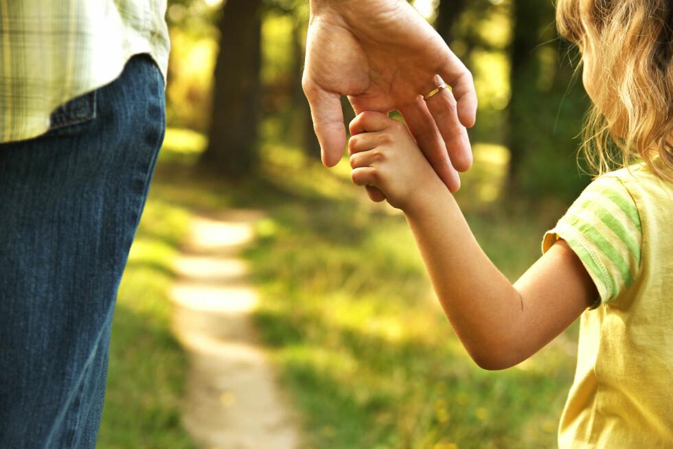 MEDBESTEMMELSE: Fra barnet har fylt 7 år skal det få si sin mening før avgjørelsen blir tatt.  Foto: Shutterstock / KonstantinChristian