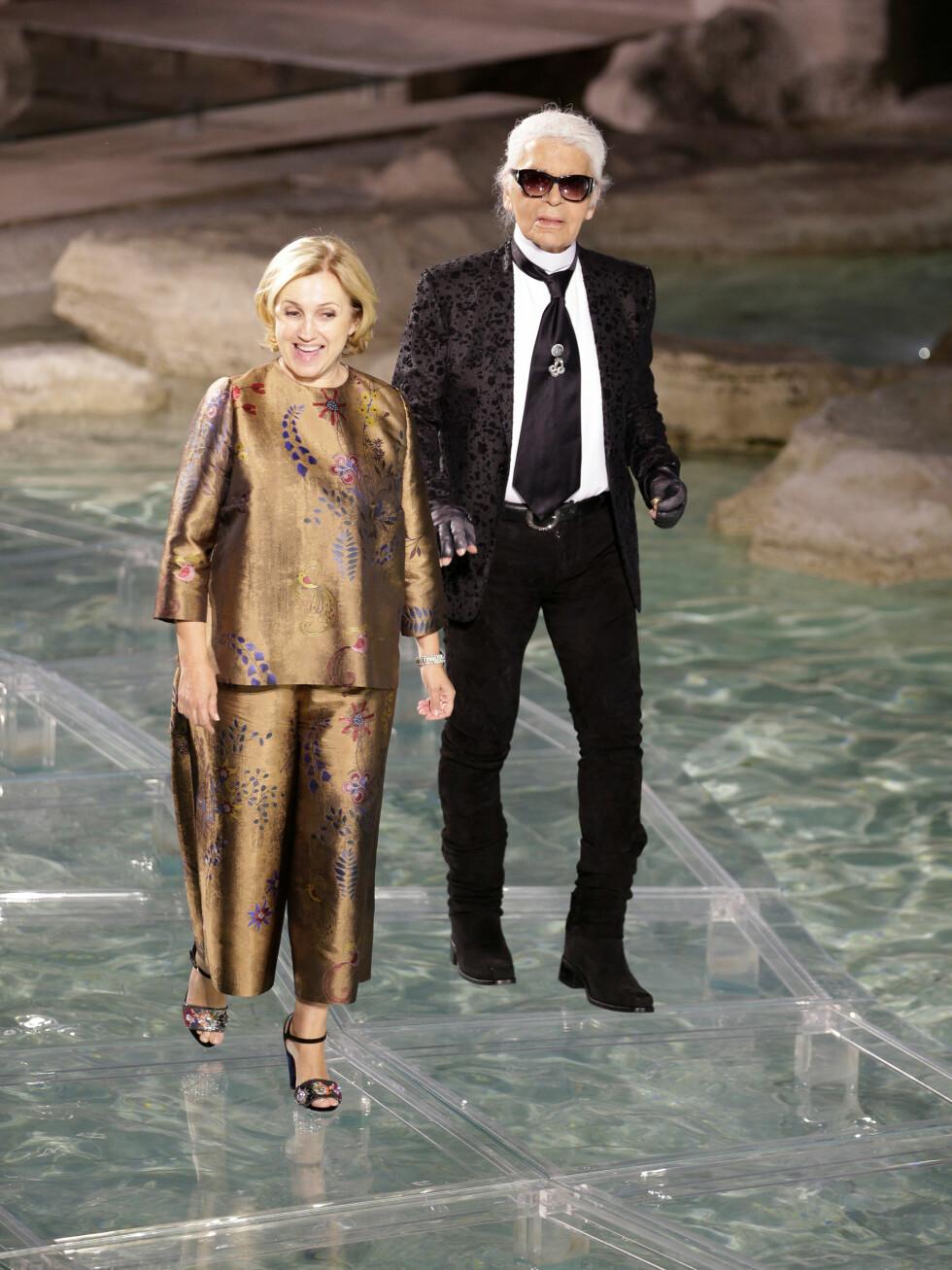 <strong>FENDI:</strong> Silvia Fendi og Karl Lagerfeld går net catwalken. Foto: Reuters
