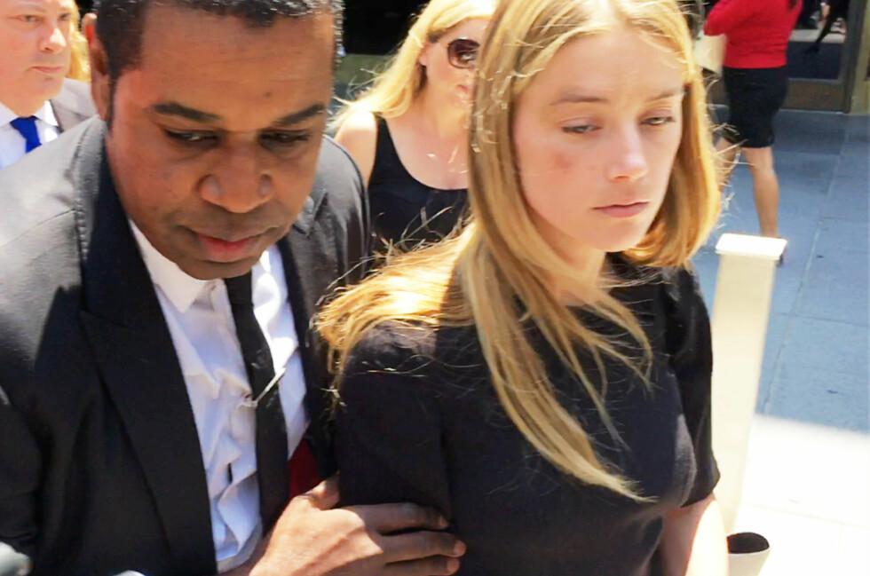 MISHANDLET? Mange beskylder Amber Heard for å være en løgner som kun er ute etter penger, blant annet fordi Depps tidligere kone gjennom 15 år, Vanessa Paradis, har gått ut i media og fortalt at han aldri har vært voldelig tidligere. Foto: Reuters