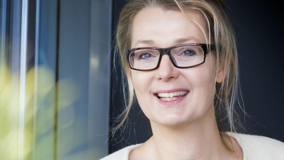 LETTELSE: Allerede som lite barn følte Lina seg annerledes.  Foto: Emelie Asplund/All Over Press