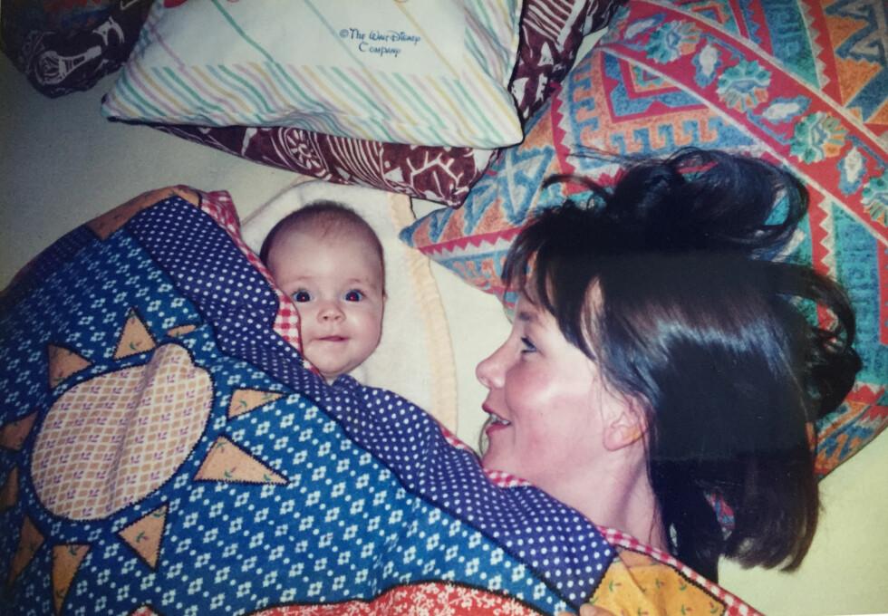 MOR OG DATTER: Stine og Marit har alltid hatt et nært forhold. Og da barna var små, var Marit lenge hjemme med hver av dem.  Foto: Privat