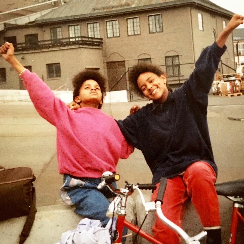 TEENAGERS: Midt mellom barndom og voksenliv, og foran dem ligger årene der de mister hverandre. Foto: Privat