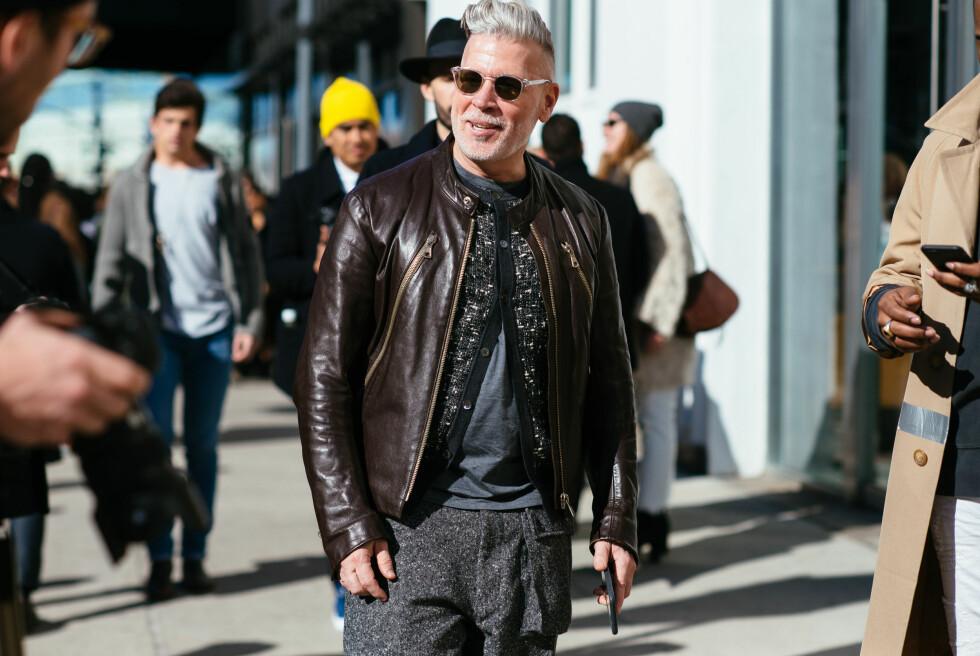 STILIKON: Stian Blipp sier til KK.no at han digger stilen til den amerikanske street style-modellen og innkjøperen Nick Wooster (56), og håper at han kommer til å se ut som ham når han selv har bikket 50. Foto: NTB Scanpix