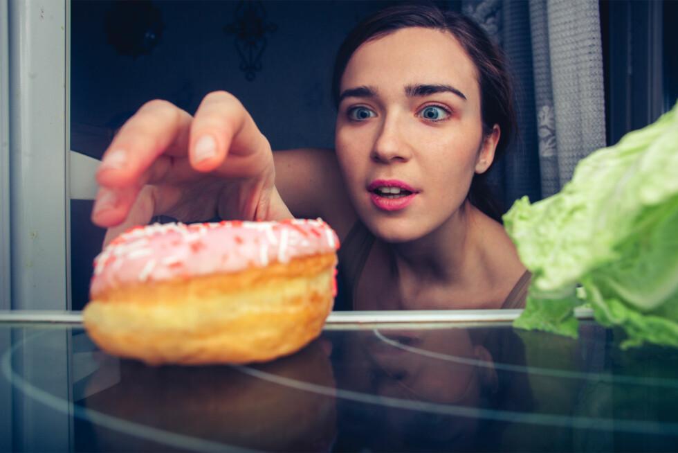 FRISTELSER: Spis deg mett på sunn mat, for da faller du ikke så lett for fristelser.  Foto: Shutterstock / S. Chum