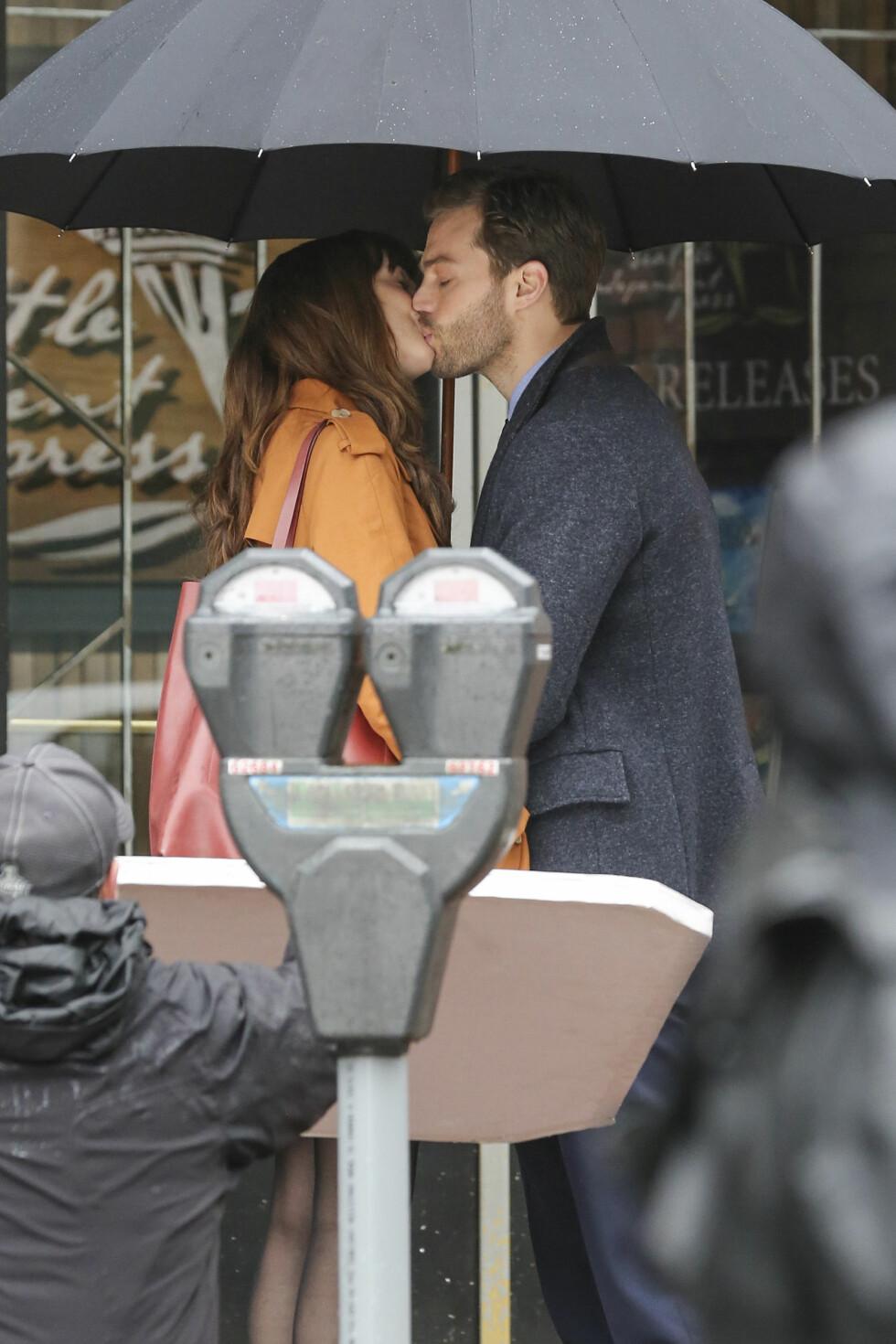 ROMANTIKK I LUFTEN: Det ser ut som om Anastasia og Christian fortsatt har en god tone i den nye filmen.   Foto: Splash News