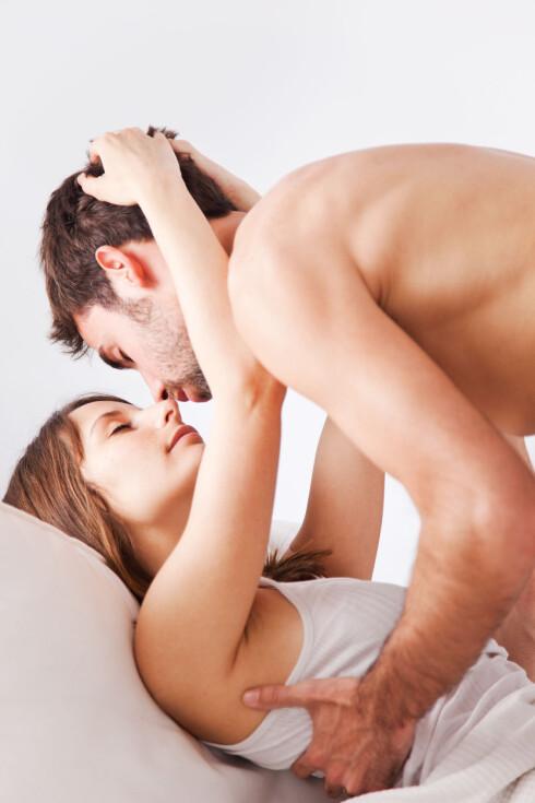TA HAM I HÅRET: Mange menn liker veldig godt når du tar dem i håret.  Foto: bonninturina - Fotolia