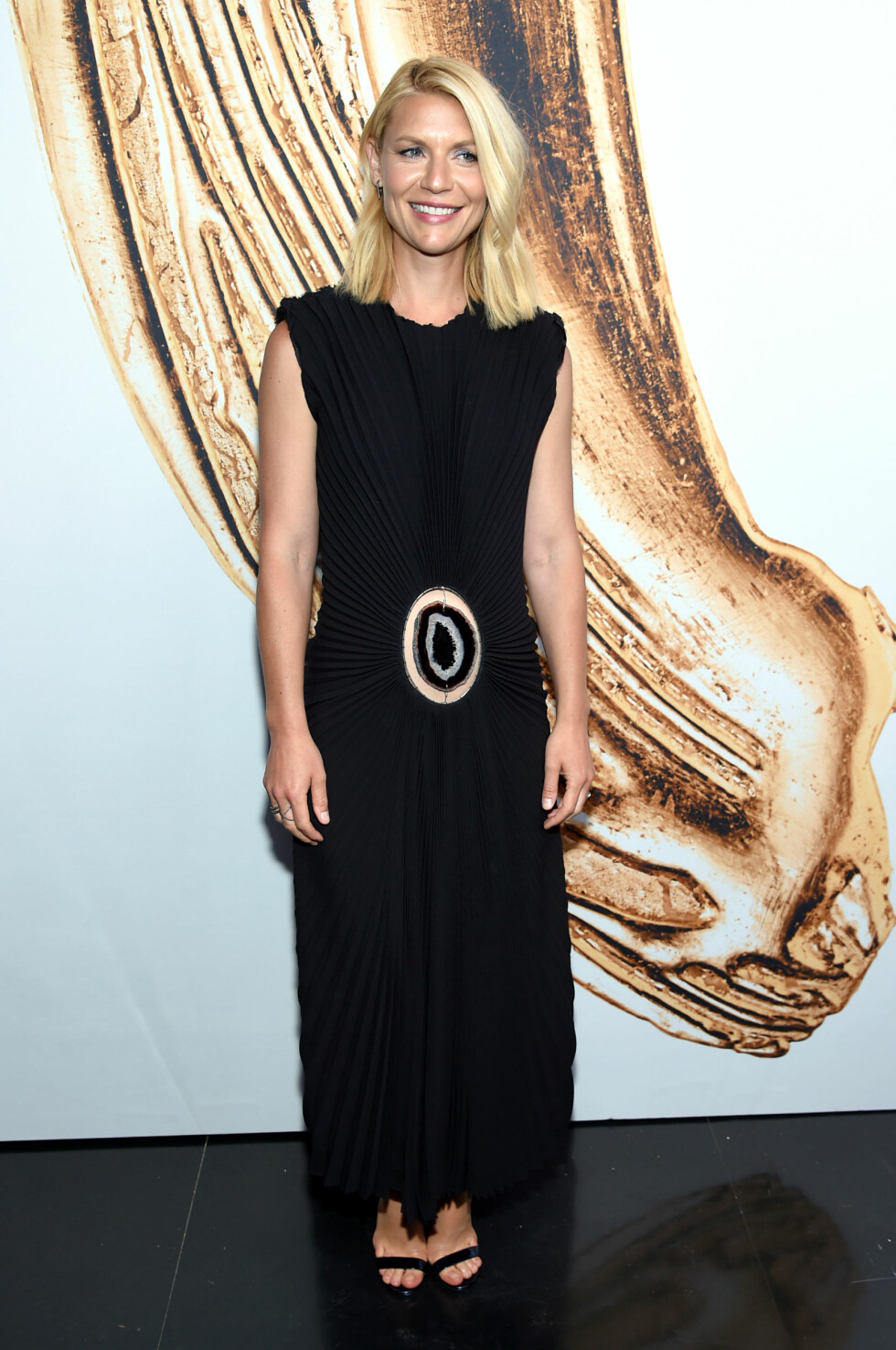 Clair Danes poses at the CFDA Fashion Awards at the Hammerstein Ballroom on Monday, June 6, 2016, in New York. (Photo by Evan Agostini/Invision/AP) Foto: Ap