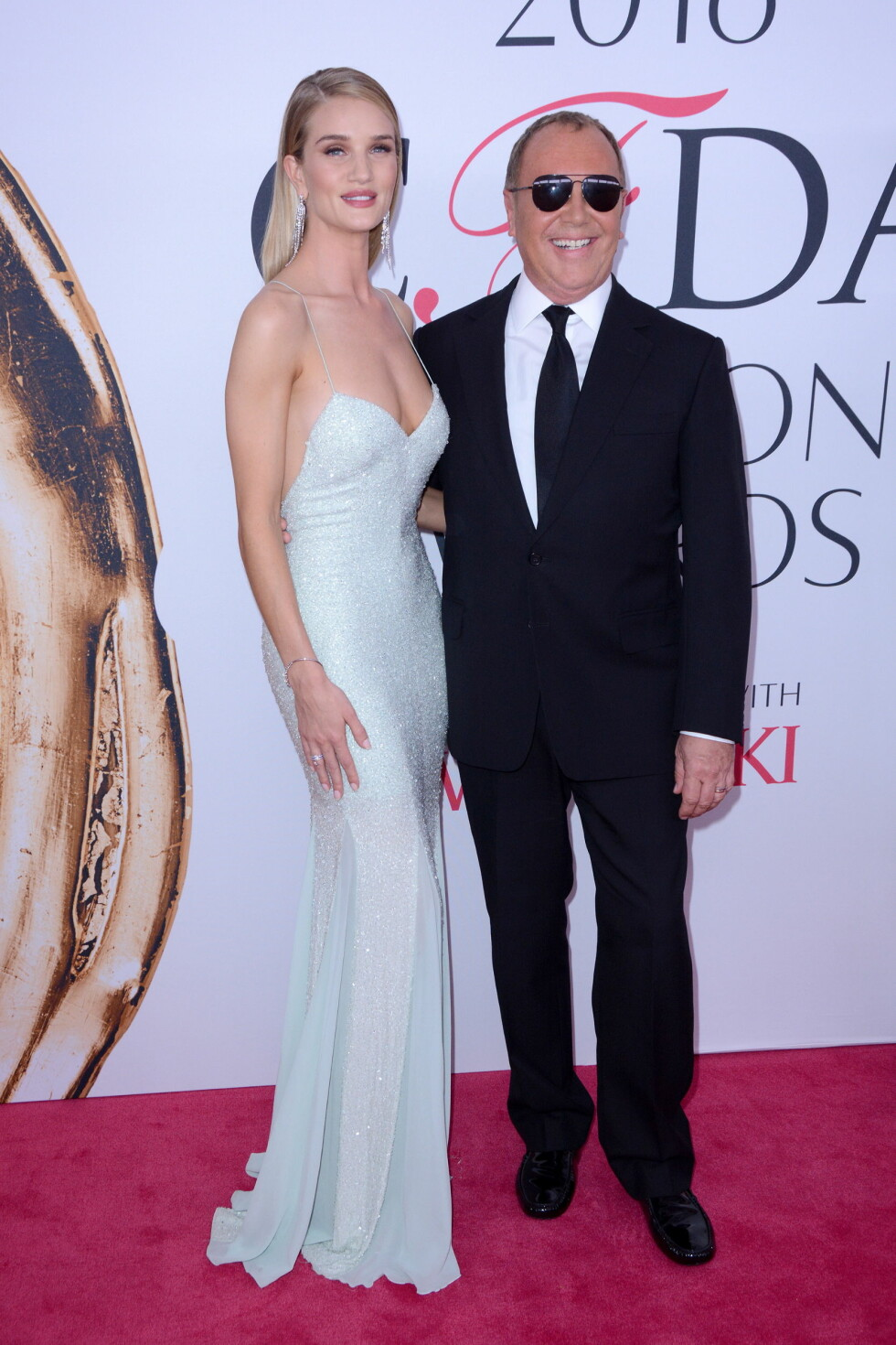 CFDA FASHION AWARDS: Rosie Huntington-Whiteley og Michael Kors. Foto: wenn.com