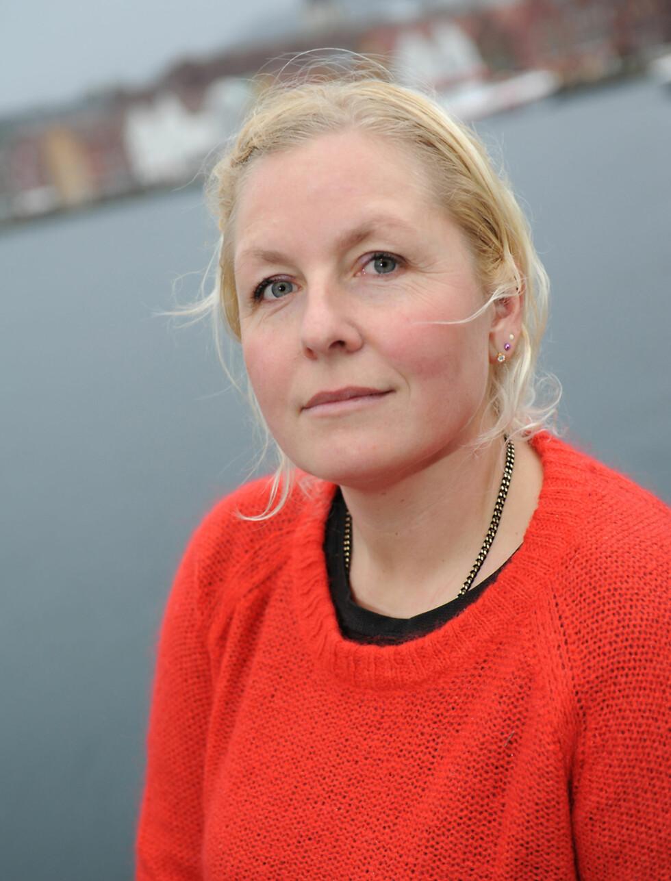 GÅR VIDERE: Sorgen var bunnløs da Pia-Camilla mistet samboeren sin i 2009. Nå har hun lært seg å leve med tapet.   Foto: Marianne Otterdahl-Jensen