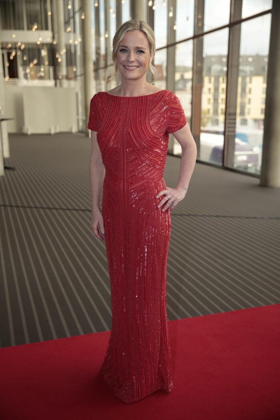 RÅLEKKER KJOLE: Solveig Kloppen ankom Gullruten 2016 i kjole fra den anerkjente designeren Elie Saab. Foto: NTB scanpix