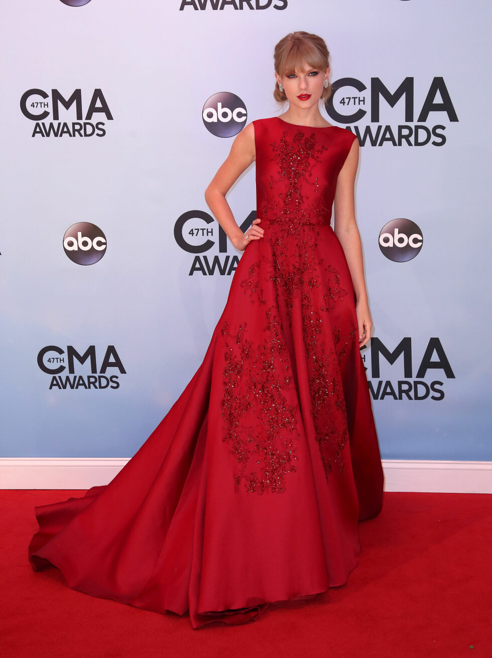 47th Annual CMA Awards - Nashville- Arrivals. Taylor Swift attends the 47th Annual CMA Awards held at the Bridgestone Arena, Nashville URN:18124459 Foto: Pa Photos