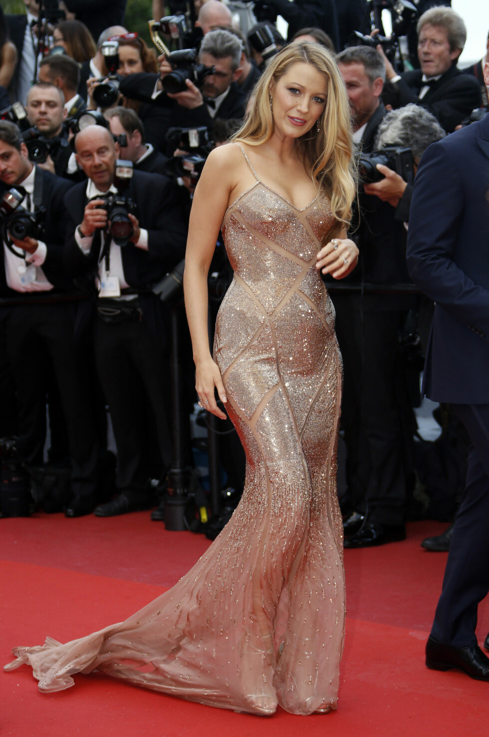 CANNES: Blake Lively i Atelier Versace. Foto: Reuters