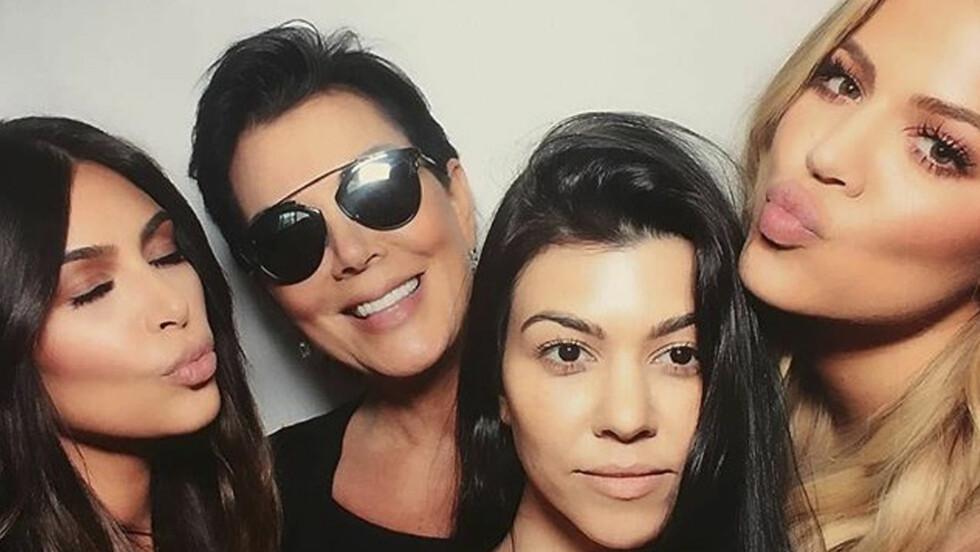 NAVNETABBE? Kris Jenner har nok kaldt barna sine med feil navn før. Med døtre med såååå like navn (Khloe, Kim, Kourtney, Kendall og Kylie) er vel det nesten umulig? Foto: Xposure