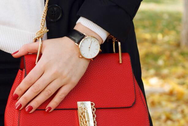 KLOKKE MED SKINNREIM: Det beste du kan gjøre for denne klokken er å la den lufte seg i ny og ne. For eksempel når du skal sove! I tillegg burde den byttes annen hvert år. Foto: Shutterstock / Viktoria Minkova