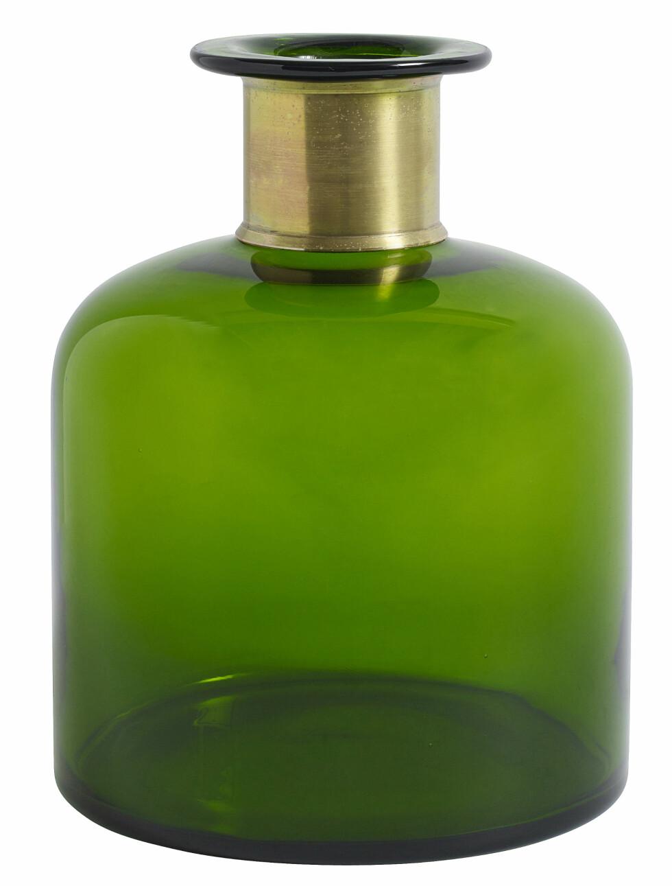 Flaskegrønn vase (kr 450, Concrete Interior). Foto: Produsenten