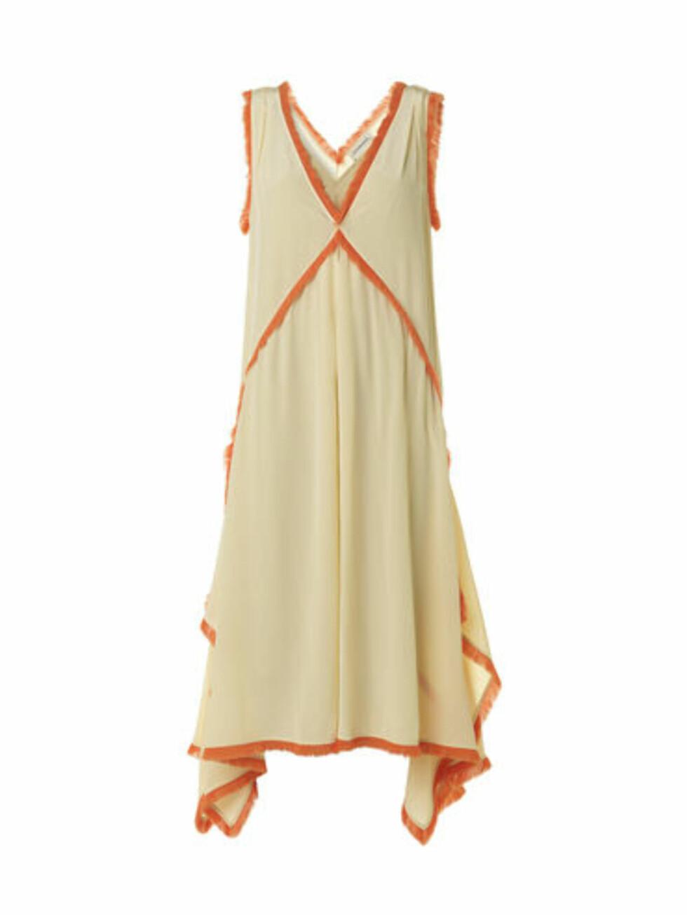 Kjole fra By Malene Birger, kr 3700. Foto: Produsenten