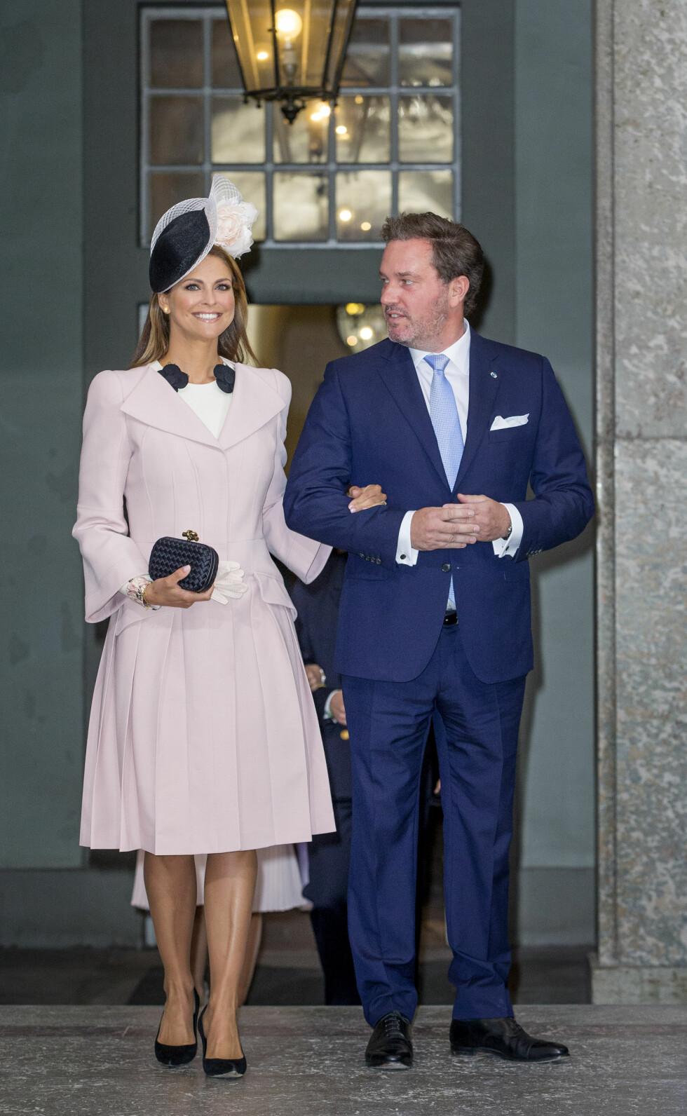 BARNEFRI: Prinsesse Madeleine og Chris O'Neill kom uten barna prinsesse Leonore og prins Nicolas. Foto: DPA