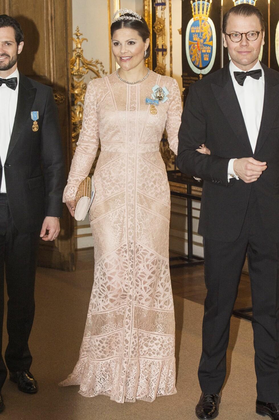 SE, SÅ FLOTT: Kronprinsesse Victoria fødte for 8 uker siden. Foto: Aftonbladet