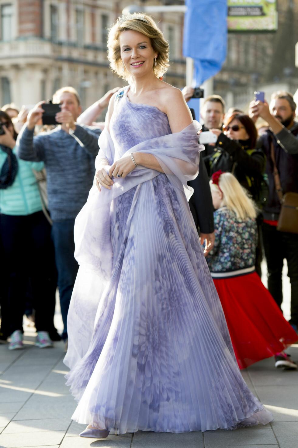 KLAR FOR FEST: Dronning Mathilde av Belgia. Foto: Abaca