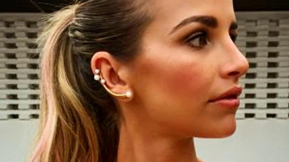 EAR CUFFS: Vi digger denne måten å bruke øredobber på! Foto: Xposure