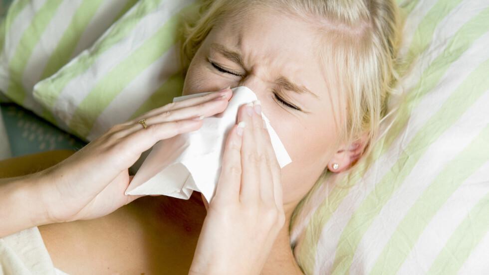 ALLERGISK REAKSJON: Vi kan faktisk oppleve reaksjoner på matvarer i pollensesongen fordi immunsystemet allerede er «skrudd på». Foto: Maskot