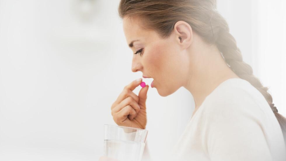 SMERTESTILLENDE: Det hjelper ikke å ta en pille mot alt som er ille, i hvert fall ikke om du tyr til smertestillende for den minste lille ting. Foto: Shutterstock / Alliance