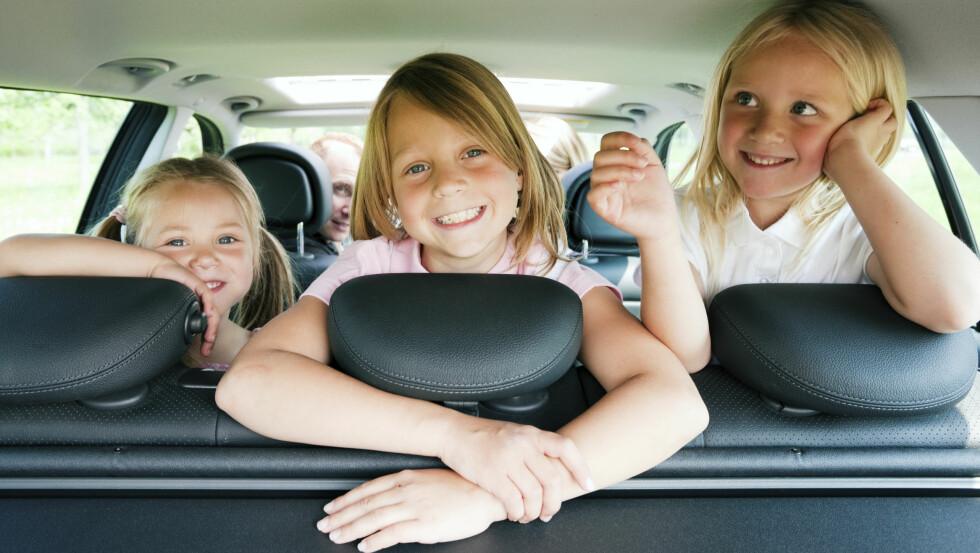 KOS DERE PÅ TUR: La barna være med på å bestemme hva dere skal gjøre i ferien. Med Stena Lines store rutenett er opplevelsene aldri mer enn en fergetur unna! Foto: Istockphoto