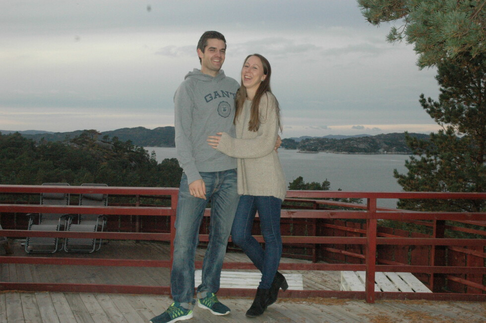DRØMMER OM BARN: Christine og Kjetil har de siste årene bodd sammen i Os i Hordaland, hvor Kjetil er fra. I august neste år, gifter de seg.  Foto: Privat