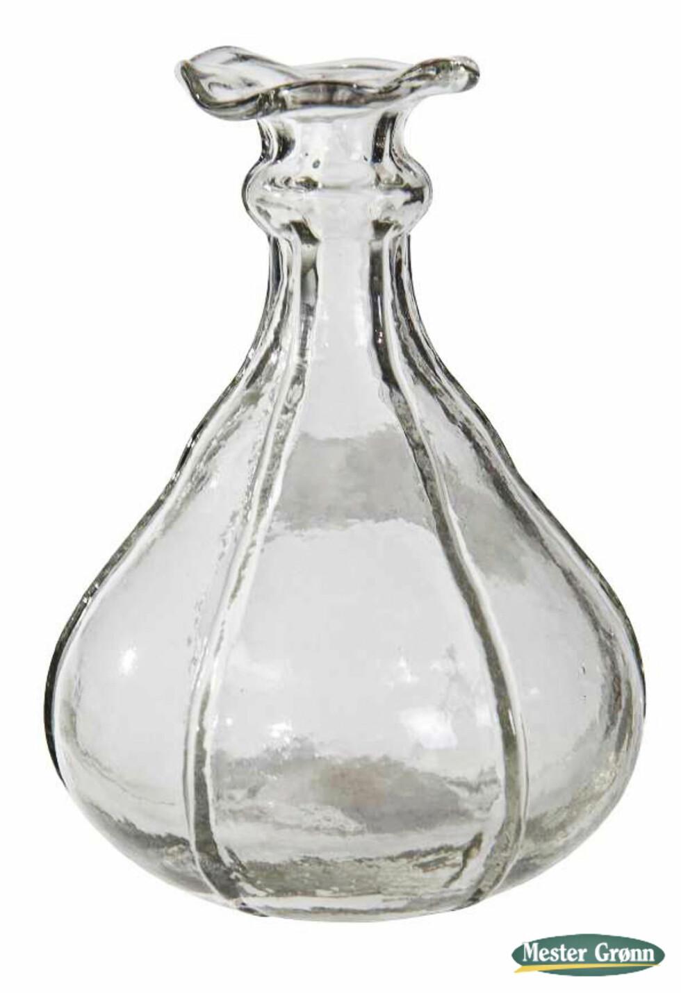 Glassvasen «Dalebekken», 12 cm høy (kr 45, Mester Grønn). Foto: Produsenten
