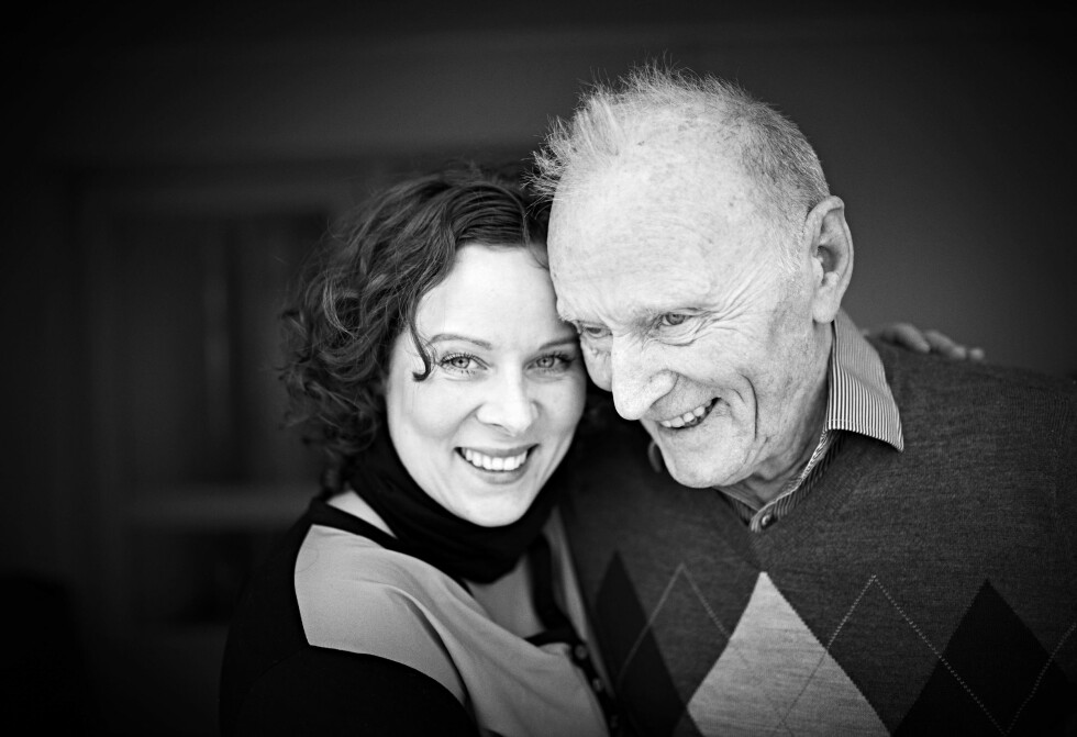 ET BRA TEAM: I mange år var Hanne og pappa Gjert et team og tok seg av Hannes mamma.  Foto: Foto: Geir Dokken