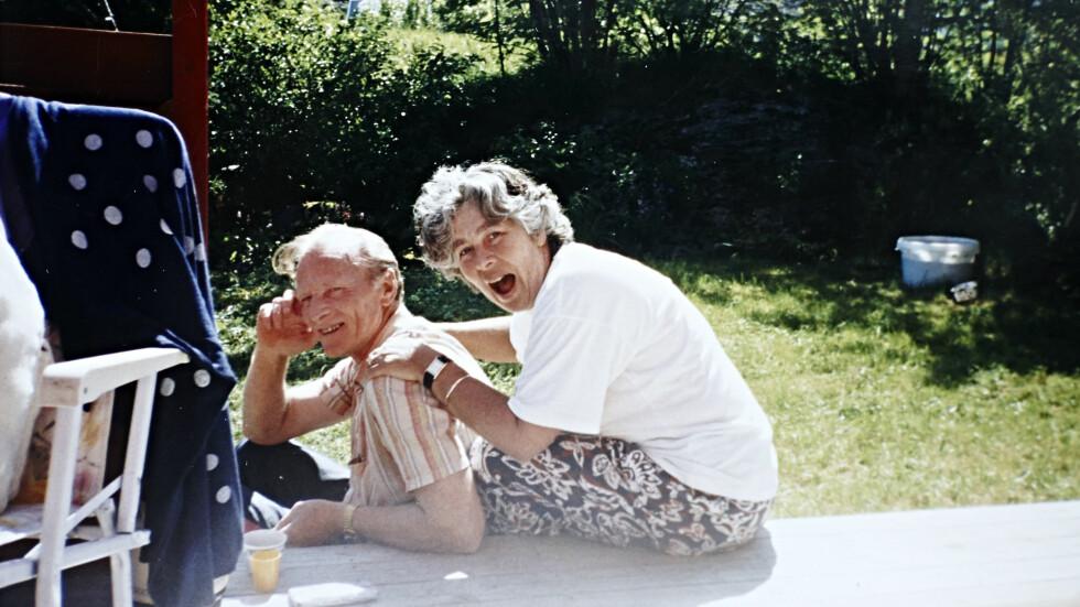 BEGYNTE Å GLEMME: Hanne var åtte år da moren Karianne ble rammet av demens. Nå har faren Gjert fått samme diagnose. Foto: Privat