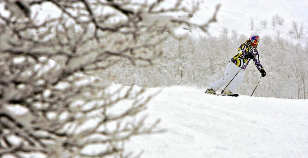 ALLTID SKIJENTE: Et av Karinas store mål var å stå på ski igjen. Her er hun, for første gang etter ulykken, tilbake på ski i Hemsedal i 2010. Foto: Aftenposten