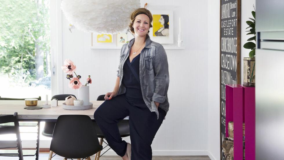 SNEKKERTALENT: Med ett år på møbelsnekkerlinja bak seg, lager programleder og spaltist i KK, Siri Kristiansen det meste av det hun har lyst på selv. Foto: Yvonne Wilhelmsen