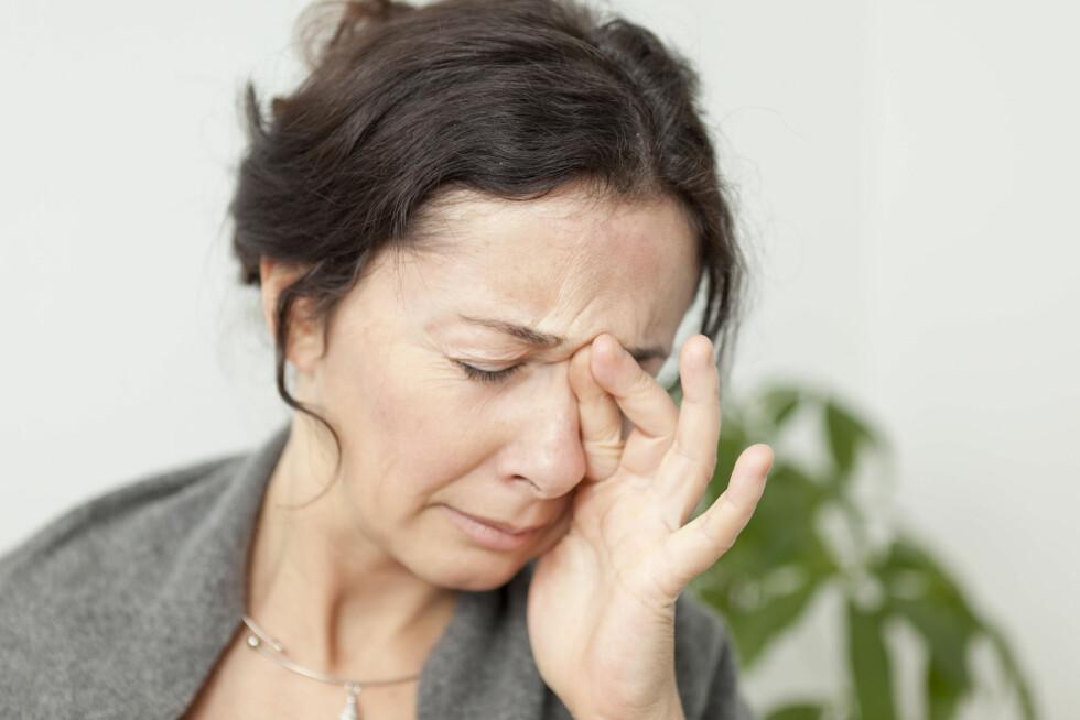 HUMØRET: Det er mange fellestrekk mellom depresjon og demens, og det er derfor ikke uvanlig å få en depresjonsdiagnose i sykdommens tidlige fase. Foto: REX/Media for Medical / UIG/All Over Press