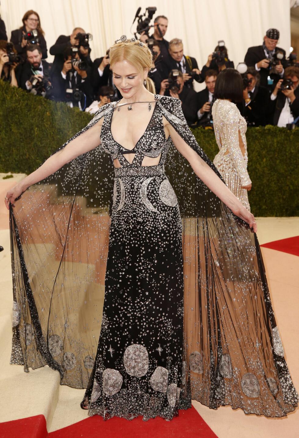 MET GALLA 2016: Nicole Kidman i Alexander McQueen. Foto: Reuters