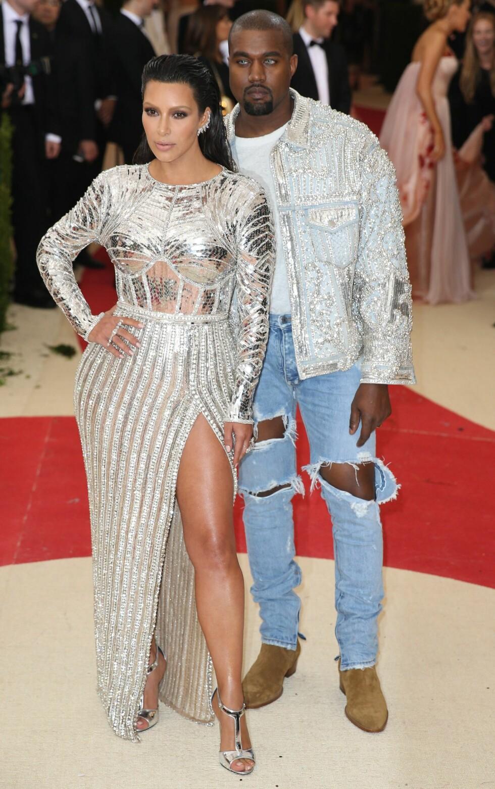 MET GALLA 2016: Kim Kardashian i Balmain og Kanye West. Foto: Epa