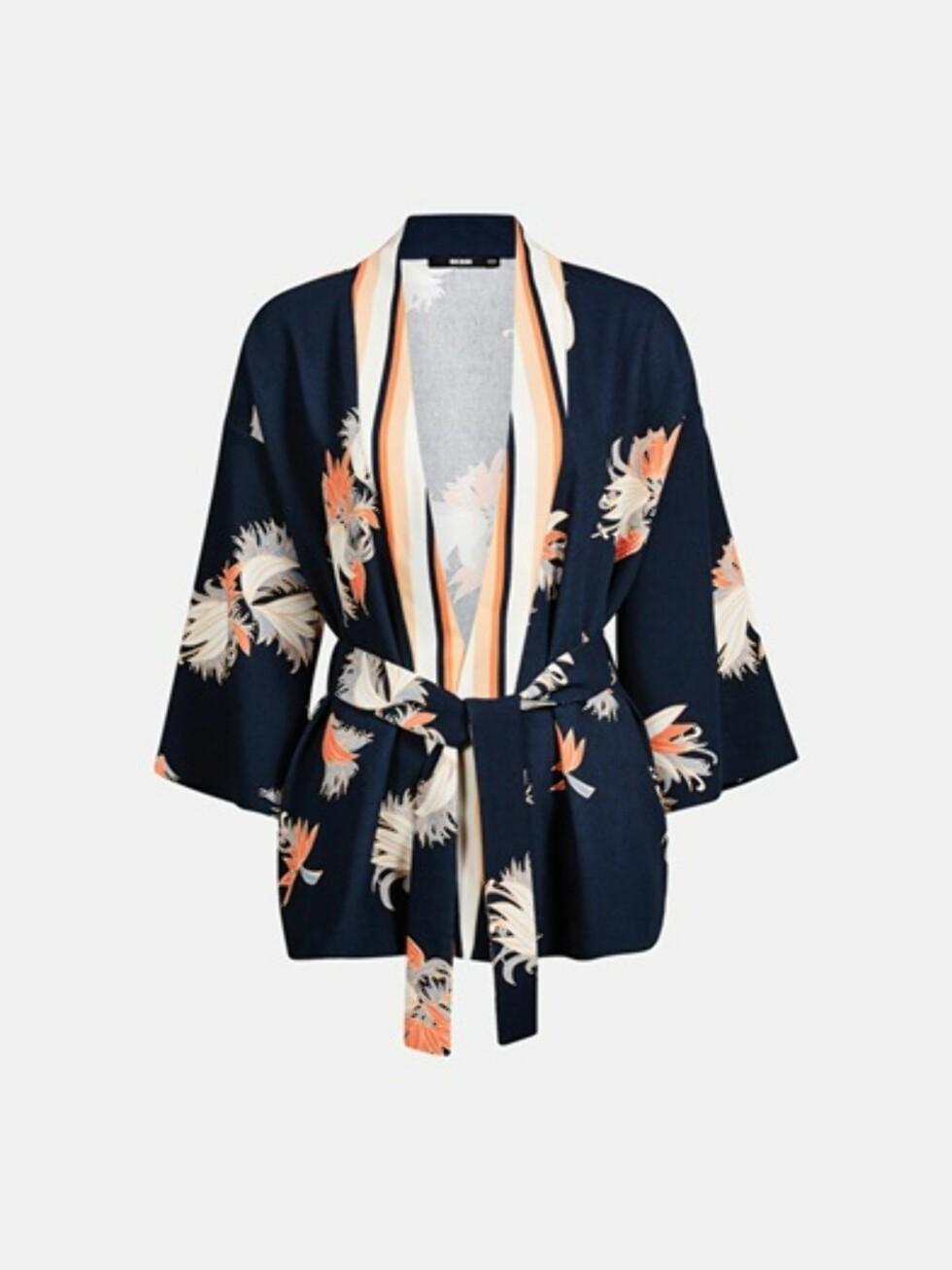 Kimono fra Bik Bok, kr 399. Foto: Produsenten