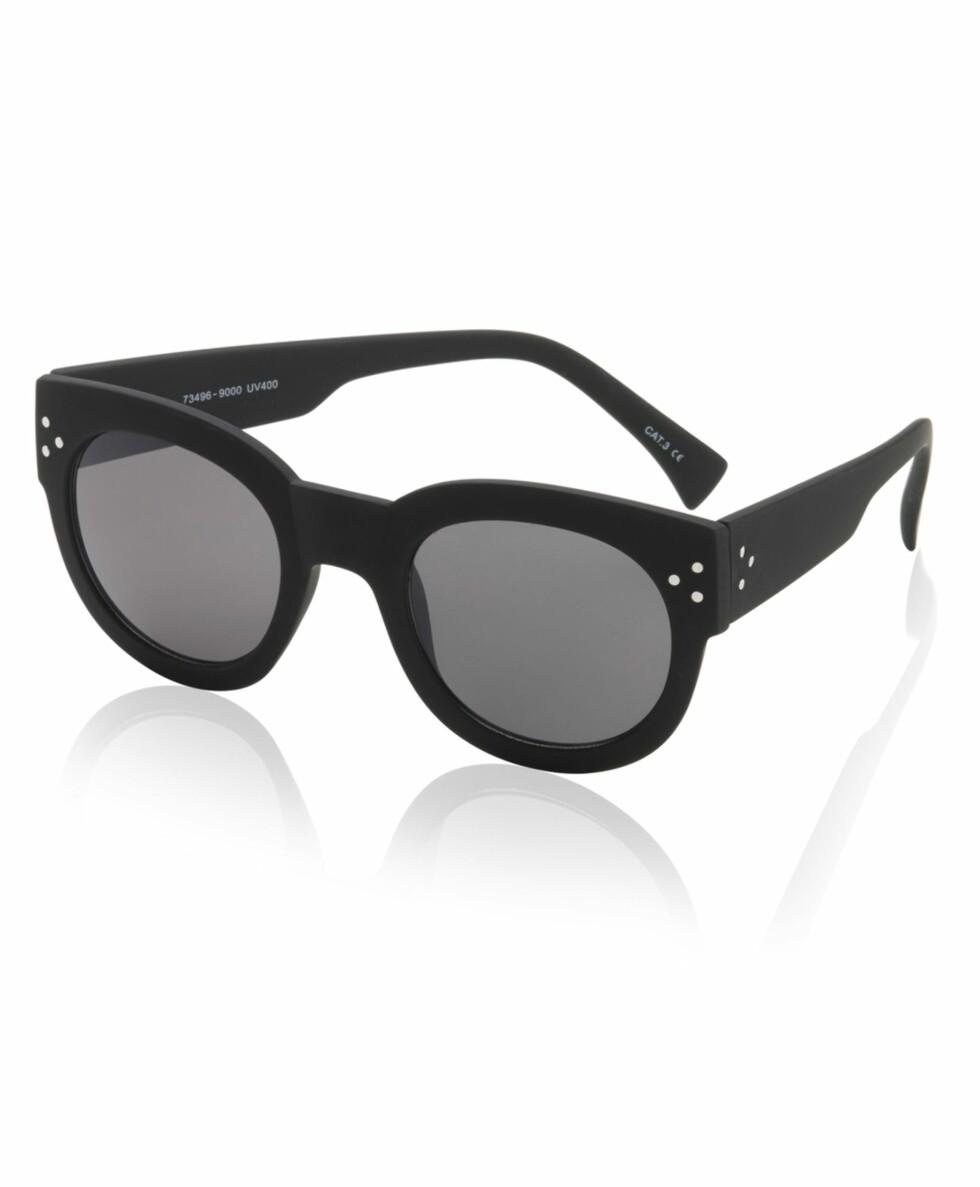 Solbriller fra Gina Tricot, kr 99. Foto: Produsenten